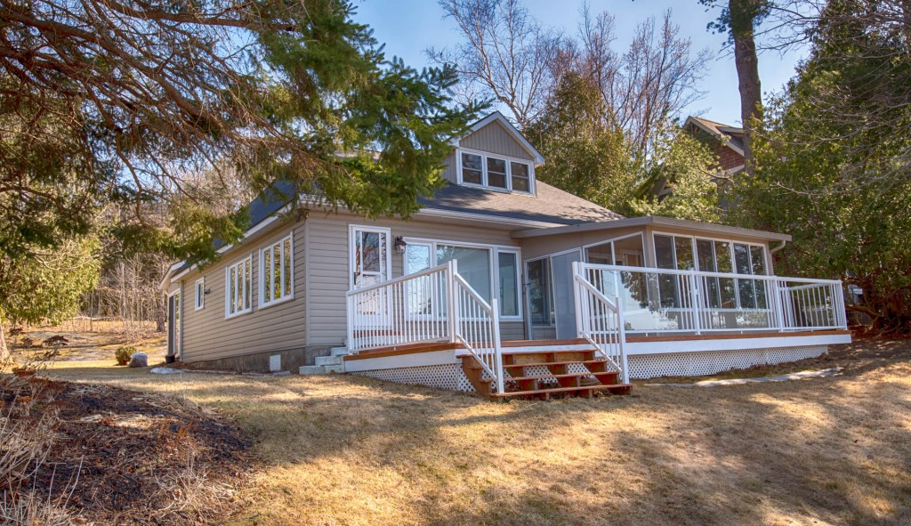 **NOW SOLD** Cottage in Muskoka for sale, Lake Muskoka (Muskoka Beach)